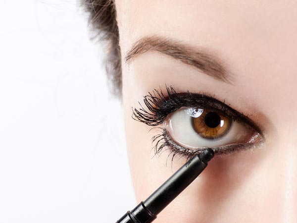 How To Make Your Own Eyeliner At Home?